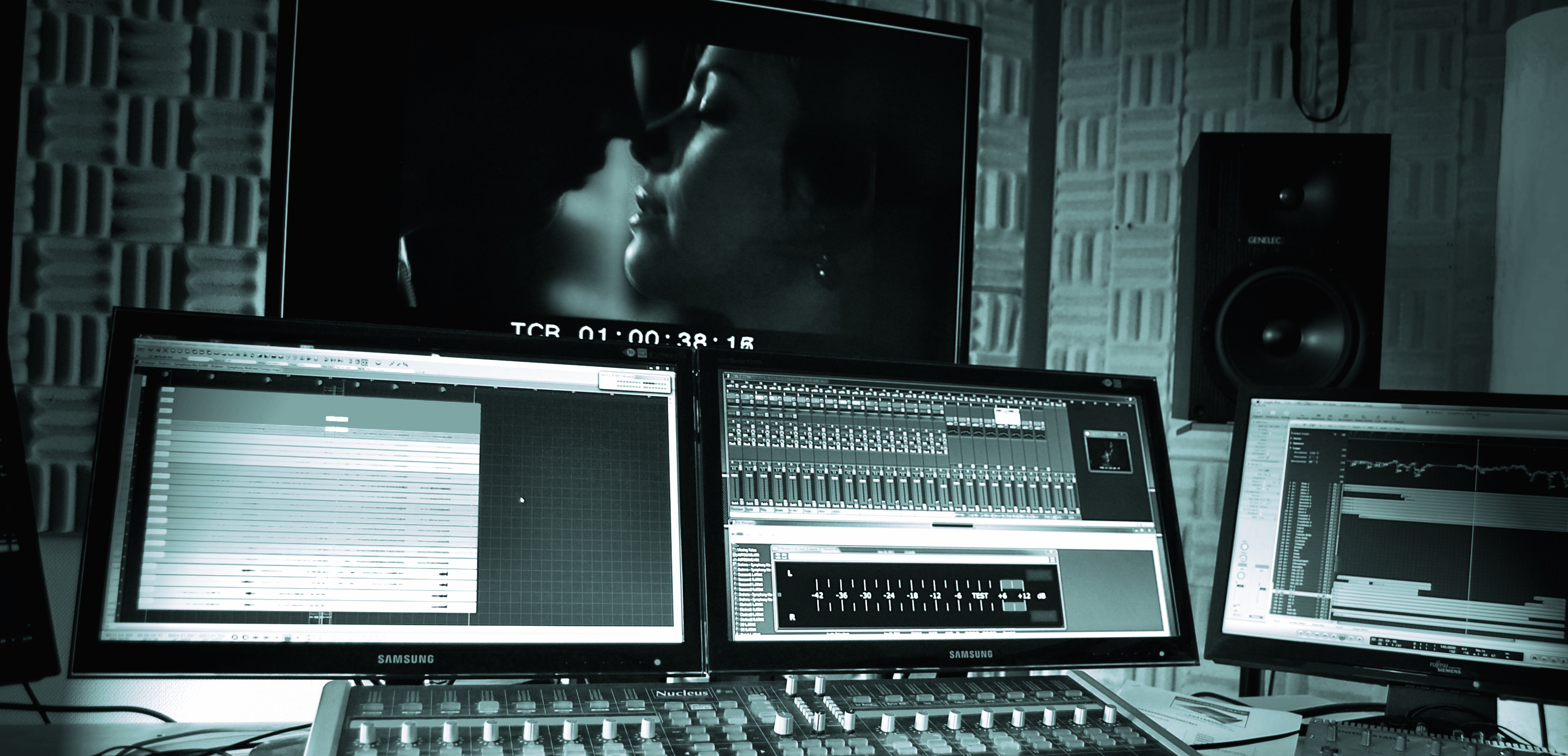 Apparat_Studios_ControlRoom_2013_41c_CROP